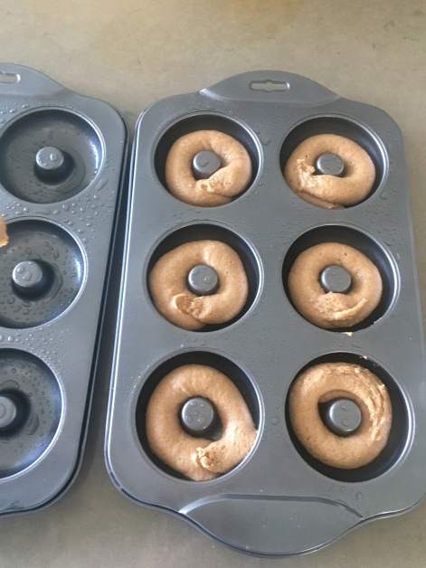 Donut mould tins